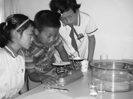 培训骨干  小学科学实验大多要分组进行,没有一批得力的助